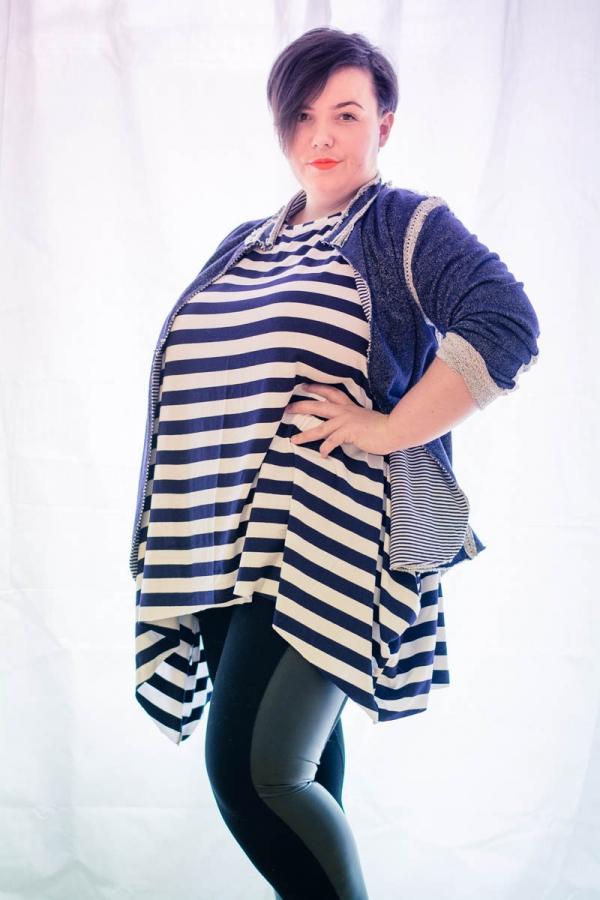 Tolles Plus Size Outfit mit Blazer und Zipfelshirt