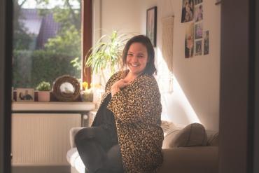 Genähter Cardigan aus Alpenfleece mit Leopardenmuster von Alles für Selbermacher