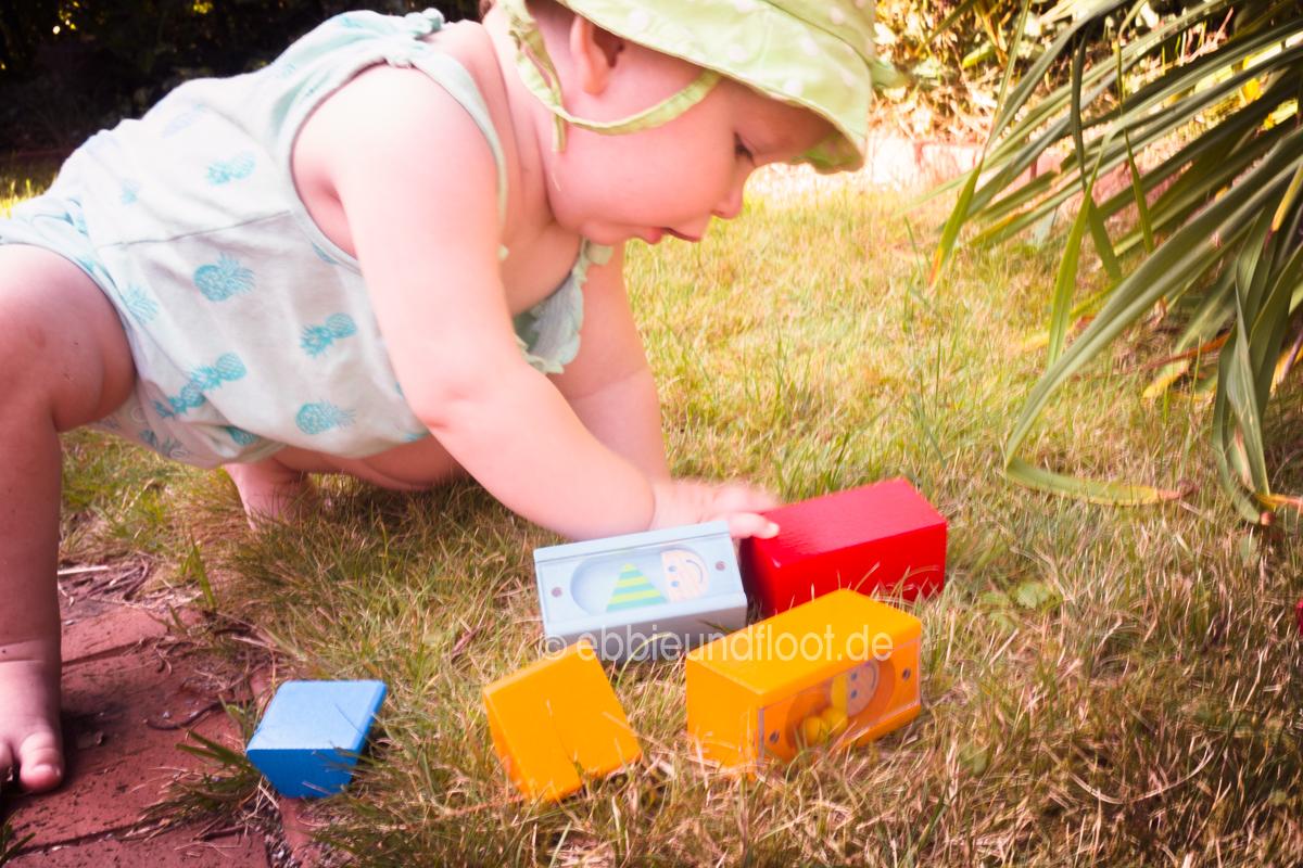 ebbie-und-floot_Familienblog_HABA_Entdeckersteine_Babyspielzeug_Geburtsgeschenk_Sinnesspielzeug_Klangspielzeug_04