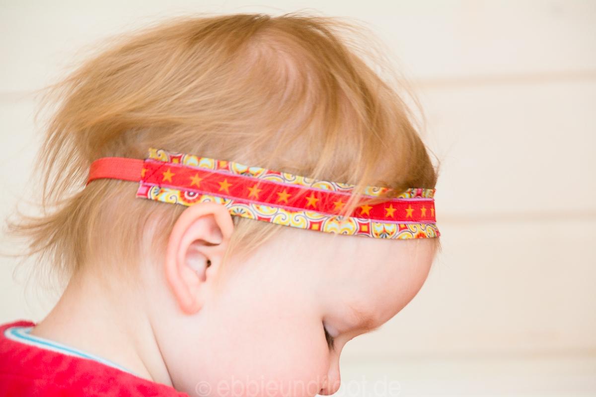 Auch für ganz kleine Mädels ist ein Haarband gut geeignet