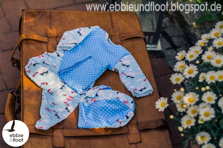 ebbie und floot_Königreich der Stoffe_Störche_farbenmix_Zwergenverpackung_Babykleidung_002