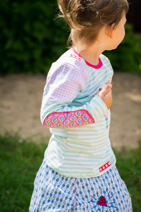 Buntes Pattenshirt für Mädchen
