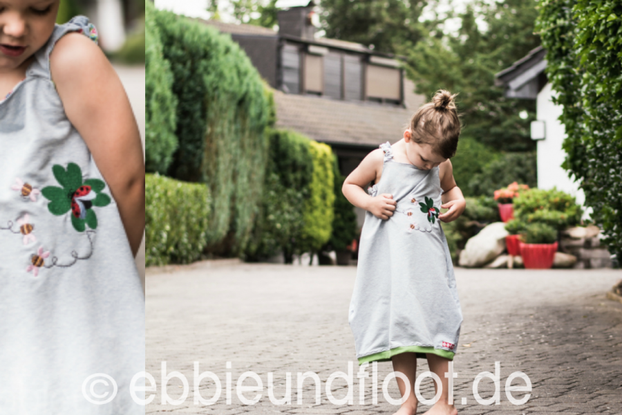 schlichtes Mädchenkleid aus Sweat