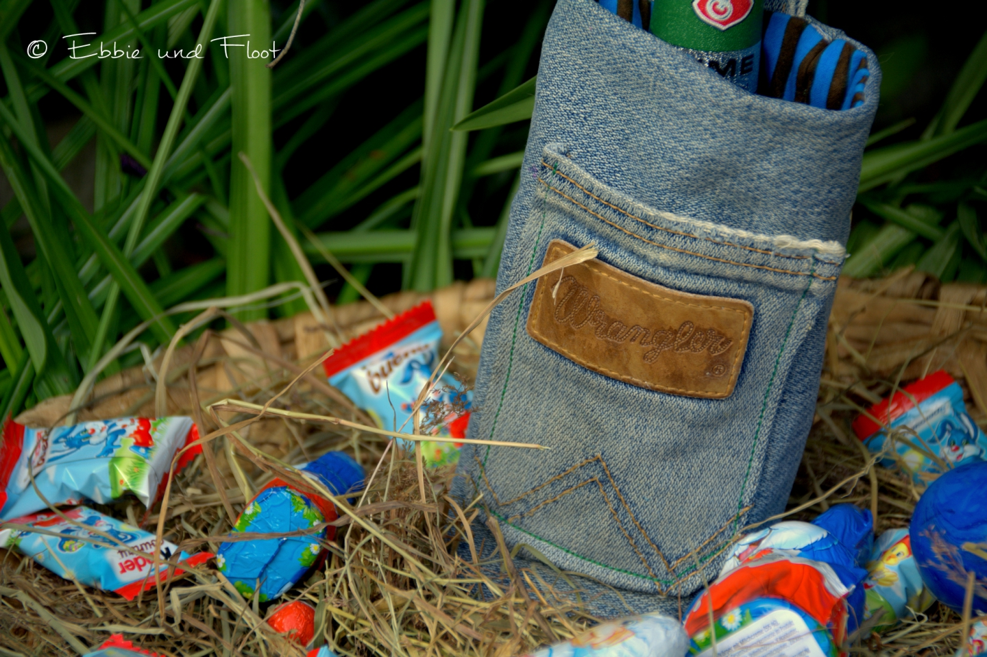 ebbie-und-floot_denim_Jeans_Flaschentasch_Flata_upcycling_0007.NEF