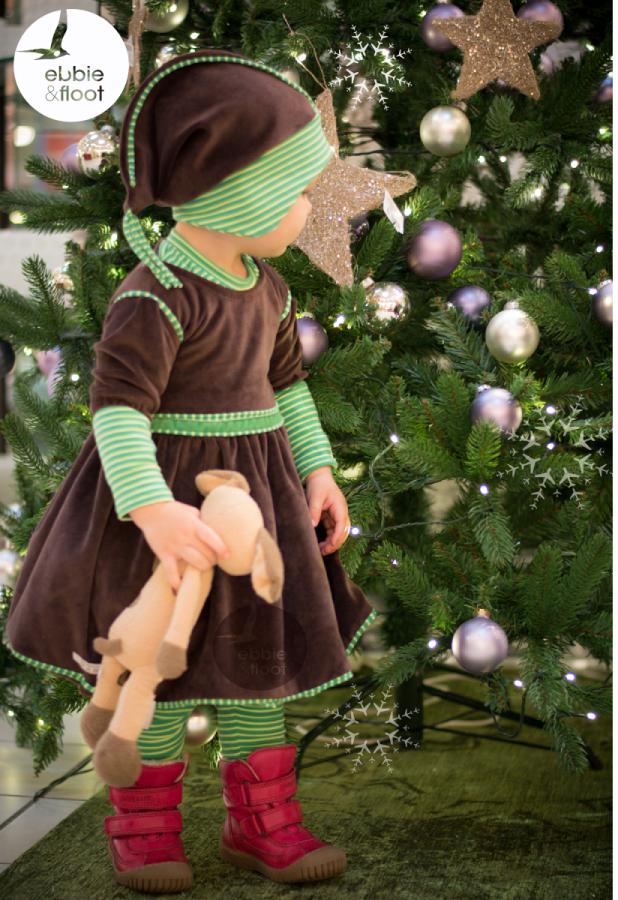 selbst genähtes Weihnachtskleid aus braunem Nicky