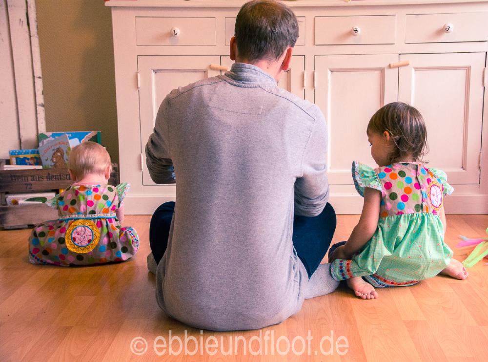ebbie-und-floot_erster-geburtstag_kinderbuch_geburtstagskleid_was-zum-ersten-geburtstag-schenken