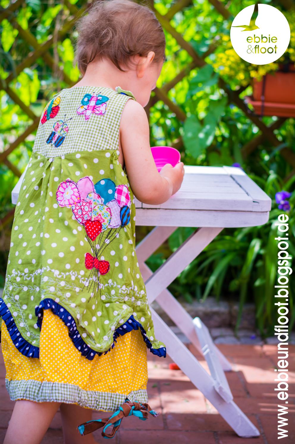 ebbie und floot_farbenmix_Cara_Kleid_Dress_birthday dress_Cake_Ballon_ribbons_ruffels_green_dots_02