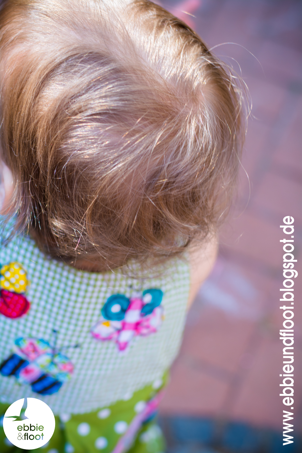 ebbie und floot_farbenmix_Cara_Kleid_Dress_birthday dress_Cake_Ballon_ribbons_ruffels_green_dots_03