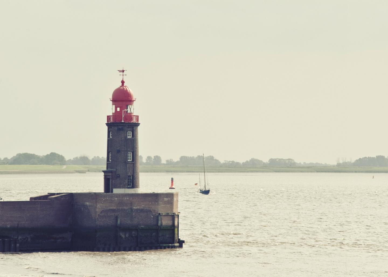 ebbie-und-floot_pelka-und-wilms_Bremerhaven_Leuchtfeuer_002_1.0