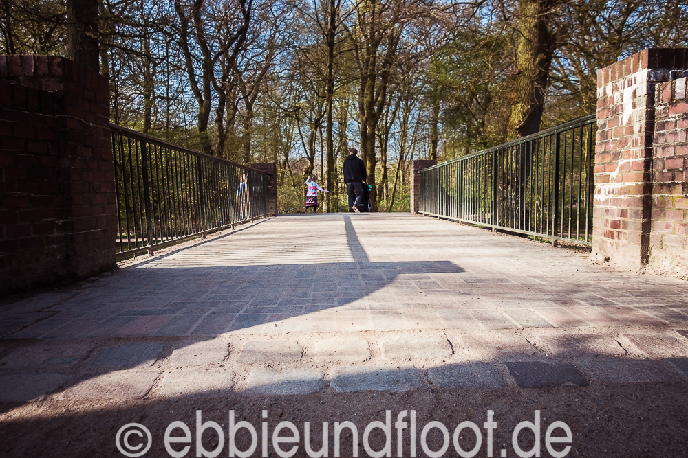 Bruecke am Bremerbürgerpark - Übergang zum Tiergehege